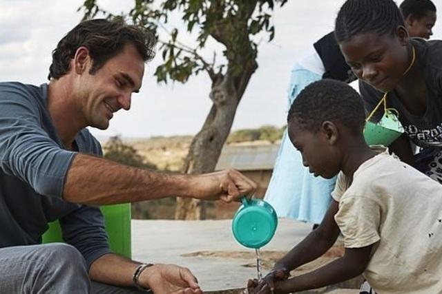 Không chỉ là tay vợt vĩ đại, Roger Federer còn là nhà từ thiện nổi tiếng - 1