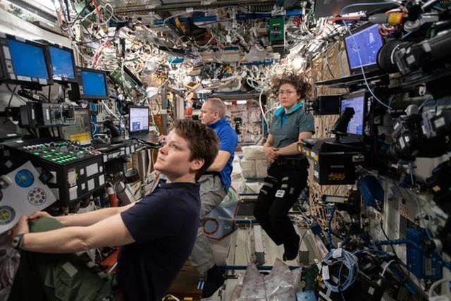 Khoa học cùng với bé: Trạm vũ trụ quốc tế (ISS) lớn cỡ nào? - 2