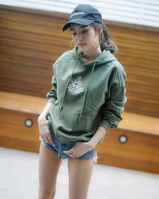 Style nổi bật của thiên thần triệu fan Thái Lan - 10
