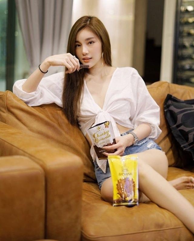 Style nổi bật của thiên thần triệu fan Thái Lan - 14