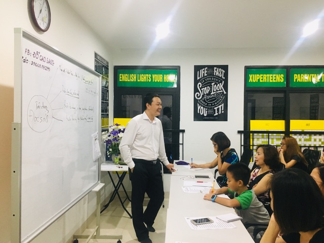 Thầy giáo 8X sáng lập hội GIA ĐÌNH TỰ HỌC ANH VĂN thu hút hàng nghìn người quan tâm - 1