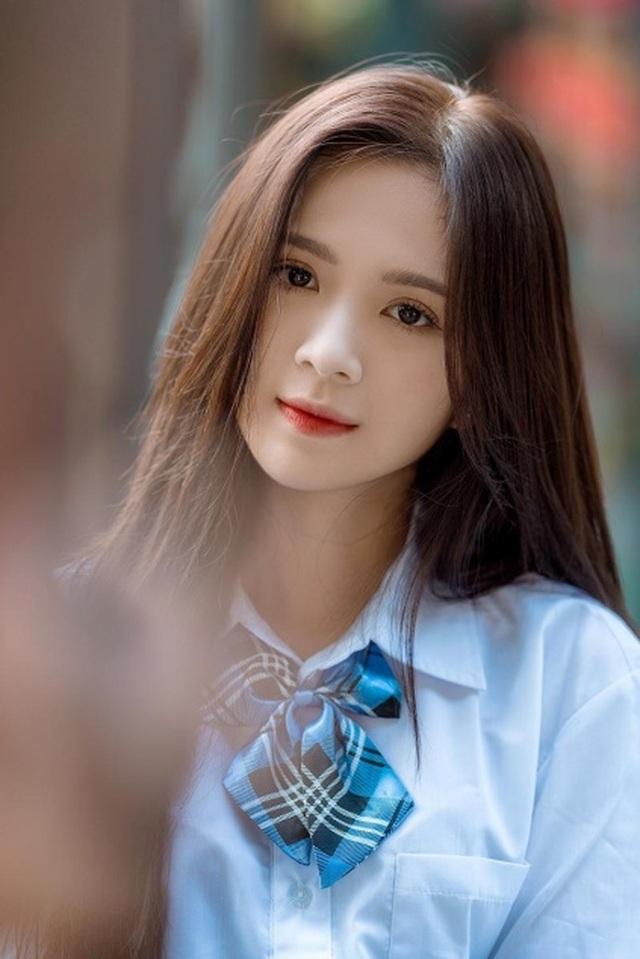 Thiếu nữ Hà thành xinh đẹp hút hồn, kiếm hàng chục triệu đồng mỗi tháng - 1