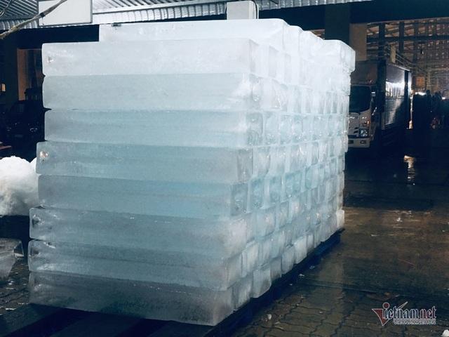 Vác đá lạnh xuyên đêm, anh công nhân phấn khởi nhận 400 ngàn đồng - 6