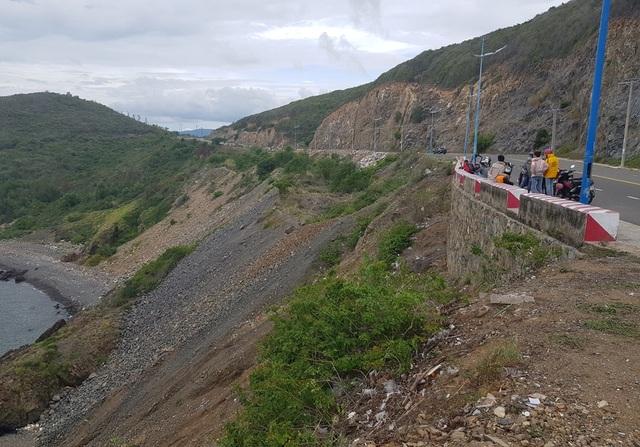 Đường đèo tuyệt đẹp ở phía bắc Nha Trang bị rác xây dựng tấn công - 11