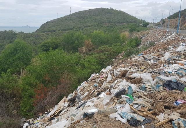 Đường đèo tuyệt đẹp ở phía bắc Nha Trang bị rác xây dựng tấn công - 7