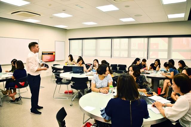 Hà Nội: Đưa 450 hiệu trưởng, giáo viên đi bồi dưỡng năng lực quản lý, chuyên môn hiện đại - 2