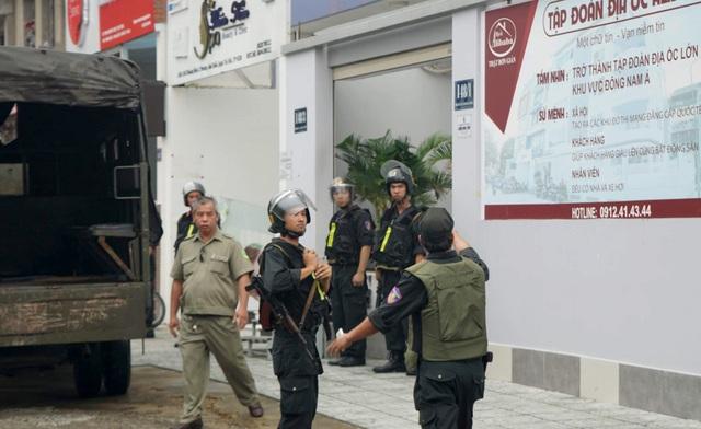 Hàng chục cảnh sát bao vây, khám xét công ty con của Công ty Alibaba - 2