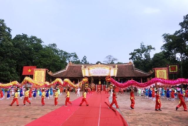 Hàng vạn người hướng về vùng đất thiêng Lam Kinh - Ảnh minh hoạ 2