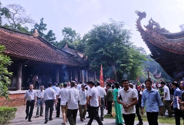 Hàng vạn người hướng về vùng đất thiêng Lam Kinh - Ảnh minh hoạ 9