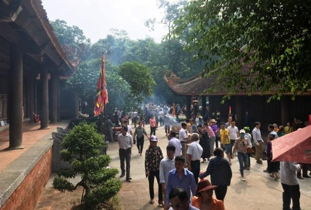 Hàng vạn người hướng về vùng đất thiêng Lam Kinh - Ảnh minh hoạ 11