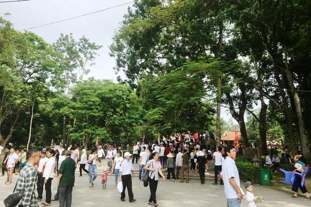 Hàng vạn người hướng về vùng đất thiêng Lam Kinh - Ảnh minh hoạ 12