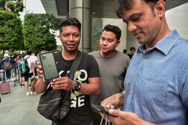 Những chiếc iPhone 11 đầu tiên trên thế giới về tay người Việt Nam - 5