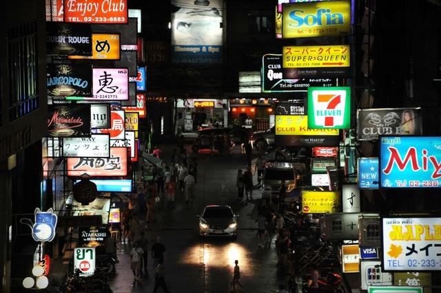 """Kinh tế ban đêm: Học gì từ các """"láng giềng""""? - 1"""