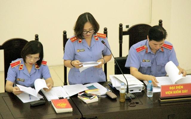 Bị cáo Lê Bạch Hồng bị đề nghị 8-9 năm tù - 1