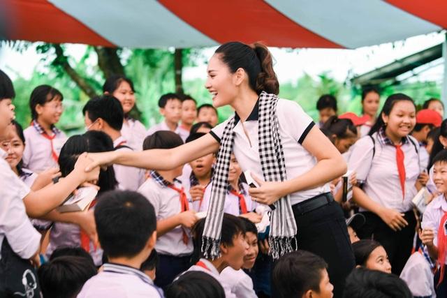 Uyên Linh từng rớt hàng chục cuộc thi hát trong gần 10 năm - 2