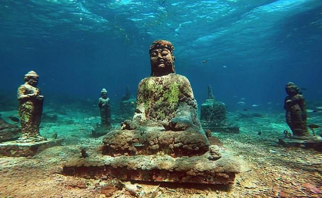 Bí ẩn ngôi đền hơn 1000 năm tuổi chìm sâu dưới nước - 3