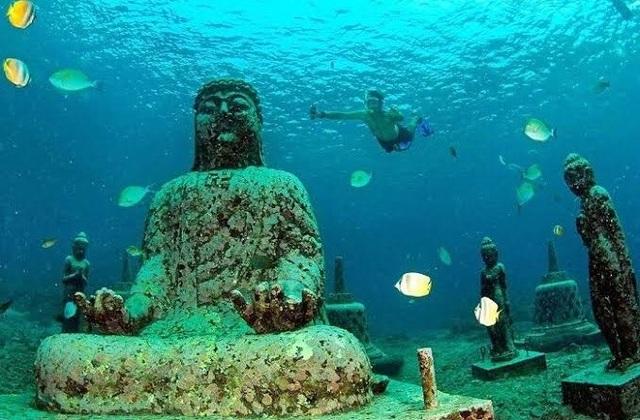 Bí ẩn ngôi đền hơn 1000 năm tuổi chìm sâu dưới nước - 1