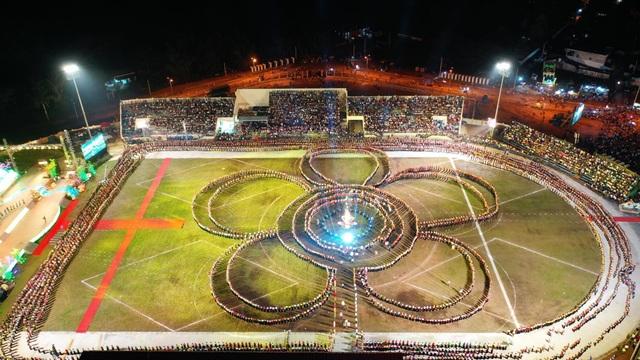 Ngỡ ngàng trước màn đại xoè 5000 người tham gia trong Lễ hội Mường Lò - 8
