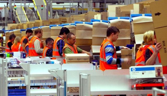 Một tuần đăng tuyển, Amazon nhận được 18 hồ sơ xin việc/phút - 1