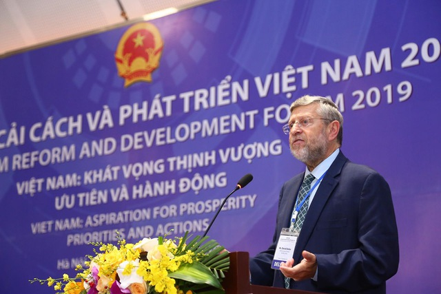Việt Nam tăng trưởng vượt dự báo và lời gan ruột của giới chuyên gia - 4