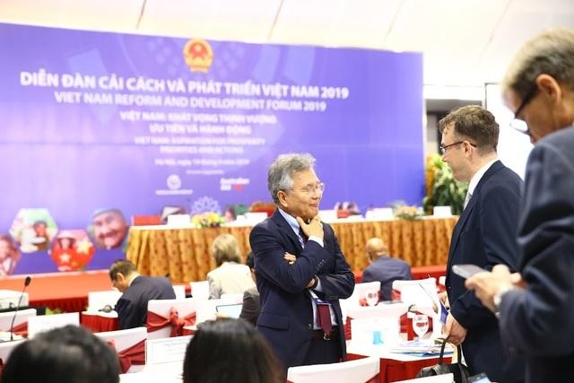 Việt Nam tăng trưởng vượt dự báo và lời gan ruột của giới chuyên gia - 3