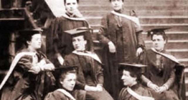 Đại học Edinburgh: Trao bằng đại học cho sinh viên sau... 150 năm - 1