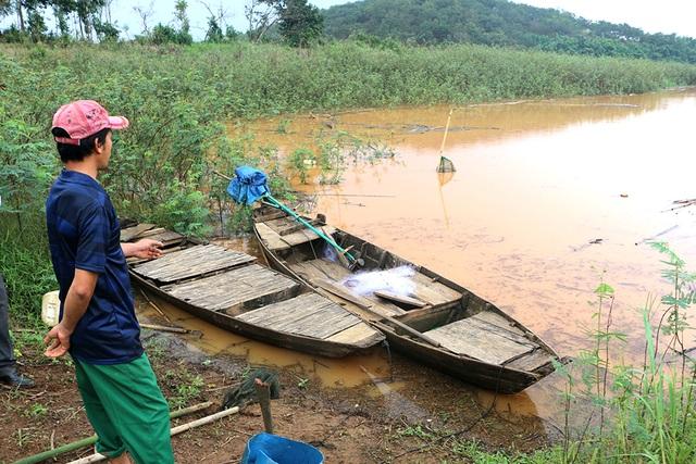 Đi tìm gỗ hương, một người mất tích tại hồ thủy điện Thác Mơ - 3