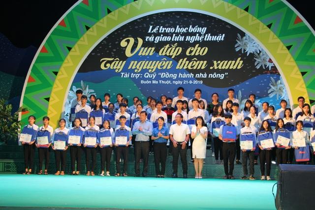 110 suất học bổng đến với tân sinh viên nghèo, hiếu học tại Tây Nguyên - 2