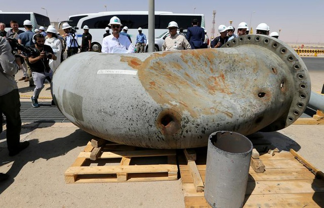 Nhà máy dầu Ả rập Xê út chi chít vết tích hỏa lực sau vụ tấn công chấn động - Ảnh minh hoạ 7