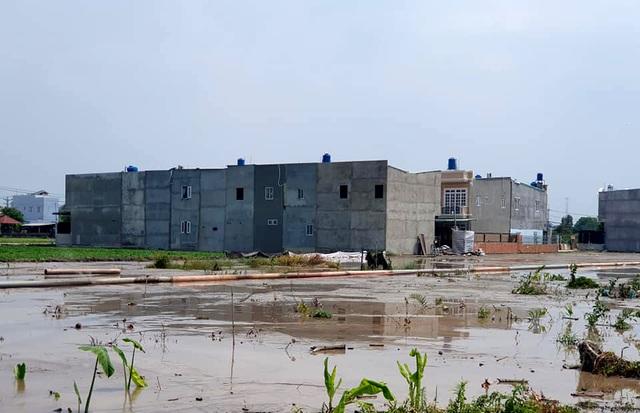"""Hàng trăm ha đất cấm bị xẻ thịt: 454 giấy phép xây dựng """"hô biến"""" thành 2.200 căn nhà! - 7"""