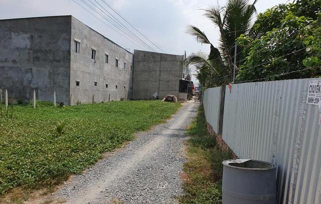 """Hàng trăm ha đất cấm bị xẻ thịt: 454 giấy phép xây dựng """"hô biến"""" thành 2.200 căn nhà! - 4"""