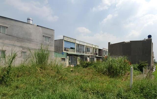 """Hàng trăm ha đất cấm bị xẻ thịt: 454 giấy phép xây dựng """"hô biến"""" thành 2.200 căn nhà! - 8"""