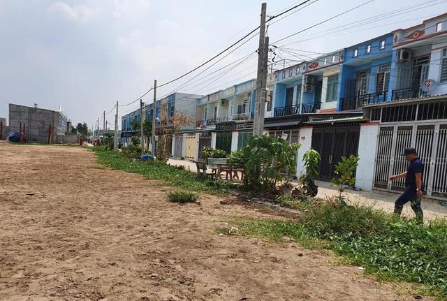 """Hàng trăm ha đất cấm bị xẻ thịt: 454 giấy phép xây dựng """"hô biến"""" thành 2.200 căn nhà! - 6"""