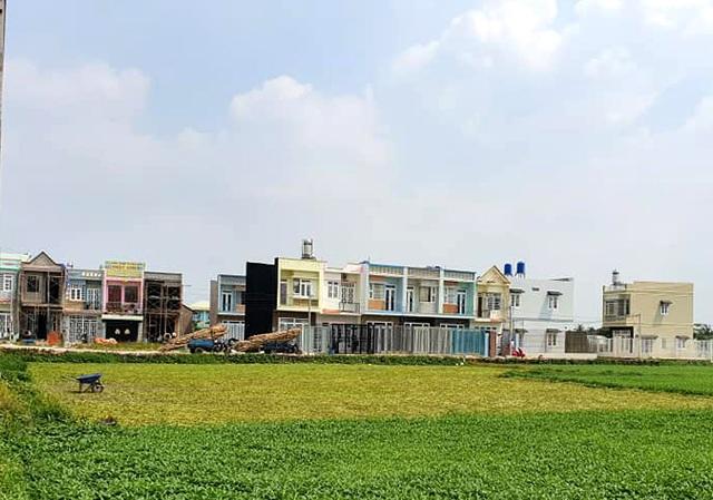 """Hàng trăm ha đất cấm bị xẻ thịt: 454 giấy phép xây dựng """"hô biến"""" thành 2.200 căn nhà! - 3"""