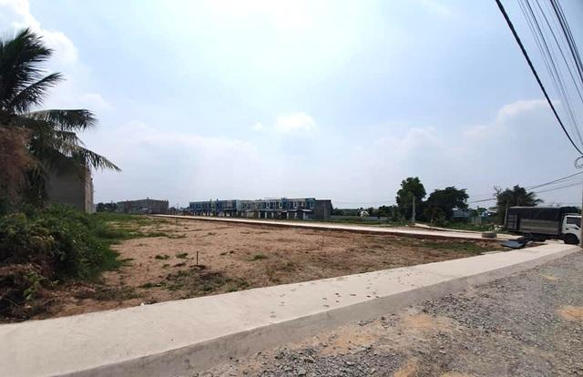"""Hàng trăm ha đất cấm bị xẻ thịt: 454 giấy phép xây dựng """"hô biến"""" thành 2.200 căn nhà! - 2"""