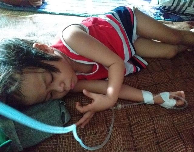 Người mẹ đơn thân cầu xin mọi người cứu con gái 4 tuổi - 7