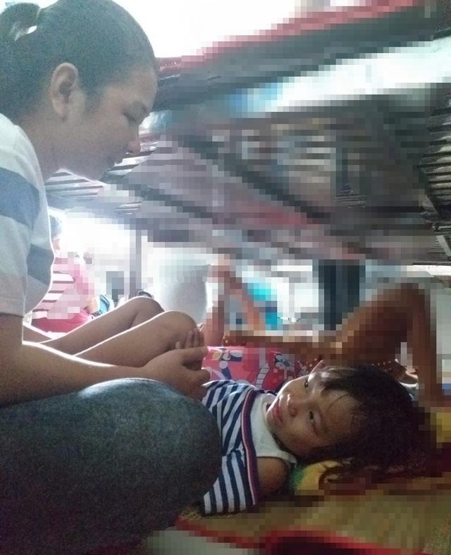 Người mẹ đơn thân cầu xin mọi người cứu con gái 4 tuổi - 1