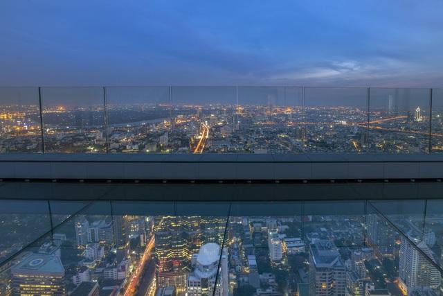 Nếu không sợ độ cao, đến Bangkok hãy thử tới sàn kính ở Mahanakhon Skywalk - 2