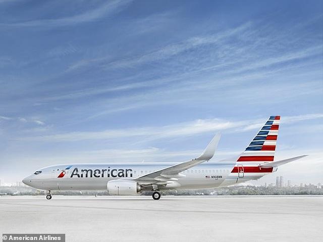 Hành khách gây rối bị nghi hút cần sa khiến máy bay hạ cánh khẩn cấp - 2