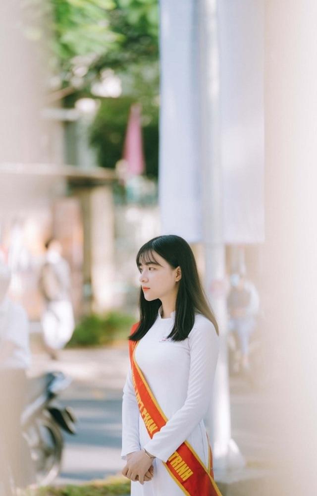 Nữ sinh Đà Nẵng sở hữu chiếc mũi cao xinh đẹp - 6