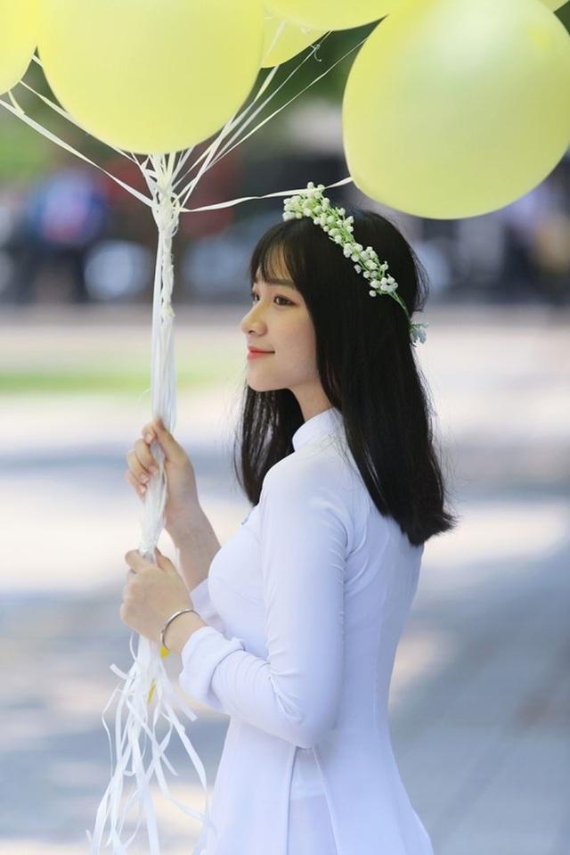 Nữ sinh Đà Nẵng sở hữu chiếc mũi cao xinh đẹp - 2