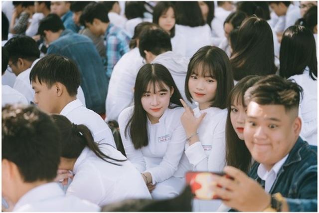 Nữ sinh Đà Nẵng sở hữu chiếc mũi cao xinh đẹp - 5