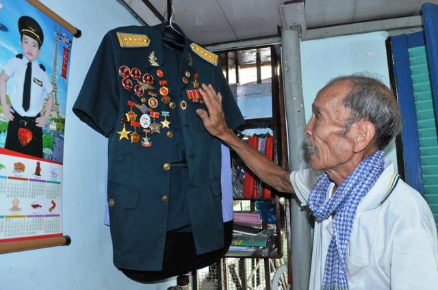 Đại tá phi công Nguyễn Văn Bảy qua đời: Nhớ mãi người anh hùng áo vải lội đồng bắt cá, trồng sen… - 1