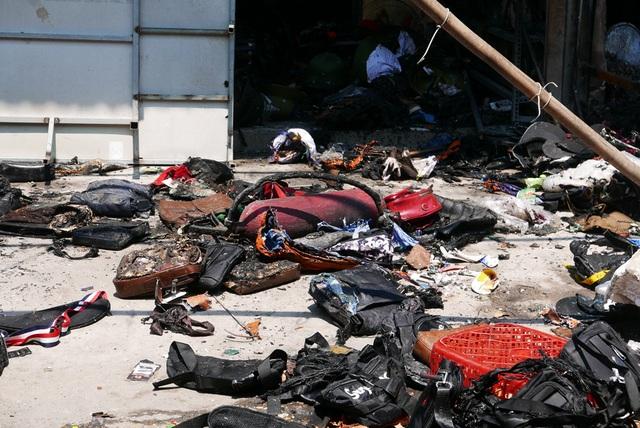 Hà Nội: Chợ Tó tan hoang sau hơn 30 phút hỏa hoạn - 7