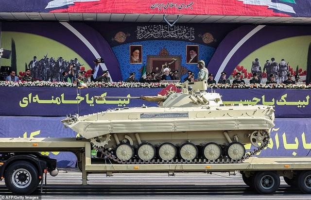 """Iran """"thị uy"""" bằng dàn khí tài """"khủng"""" giữa lúc Trung Đông căng thẳng - 2"""
