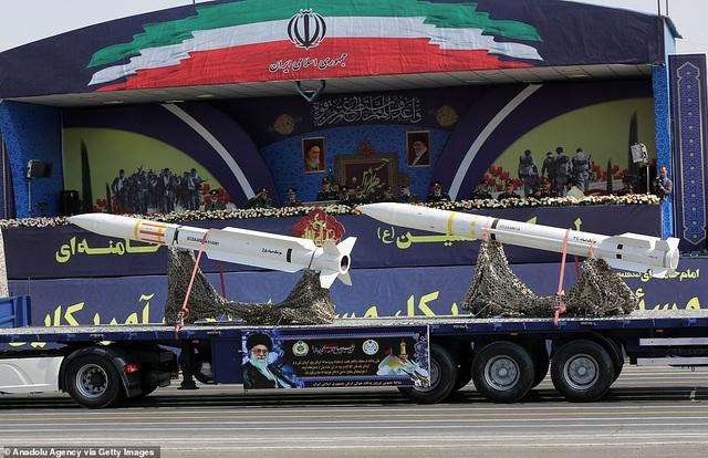 """Iran """"thị uy"""" bằng dàn khí tài """"khủng"""" giữa lúc Trung Đông căng thẳng - 8"""