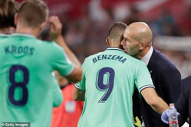 Benzema lập công, Real Madrid nhọc nhằn đánh bại Sevilla - 11