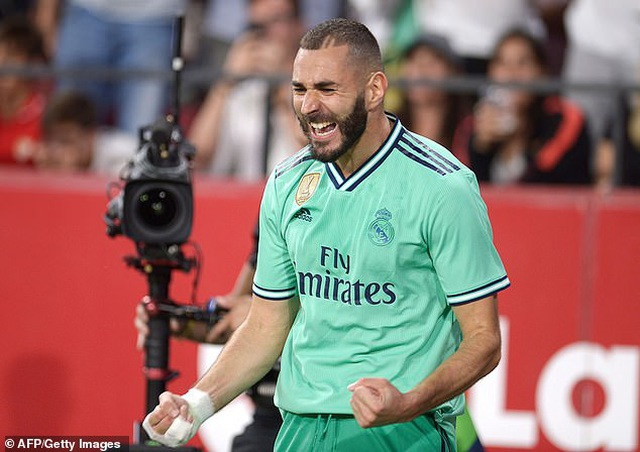 Benzema lập công, Real Madrid nhọc nhằn đánh bại Sevilla - 10