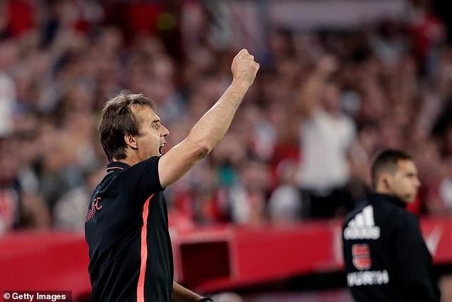 Benzema lập công, Real Madrid nhọc nhằn đánh bại Sevilla - 6