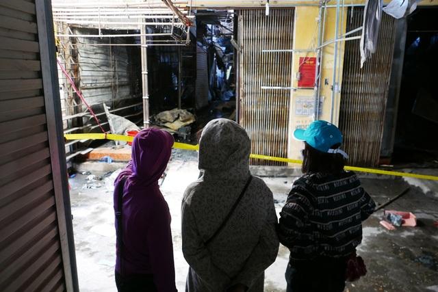 Hà Nội: Chợ Tó tan hoang sau hơn 30 phút hỏa hoạn - 12